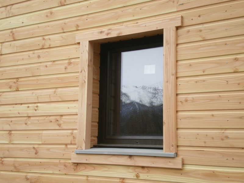 Bardage archive at notre maison en bois for Appuis de fenetre en zinc